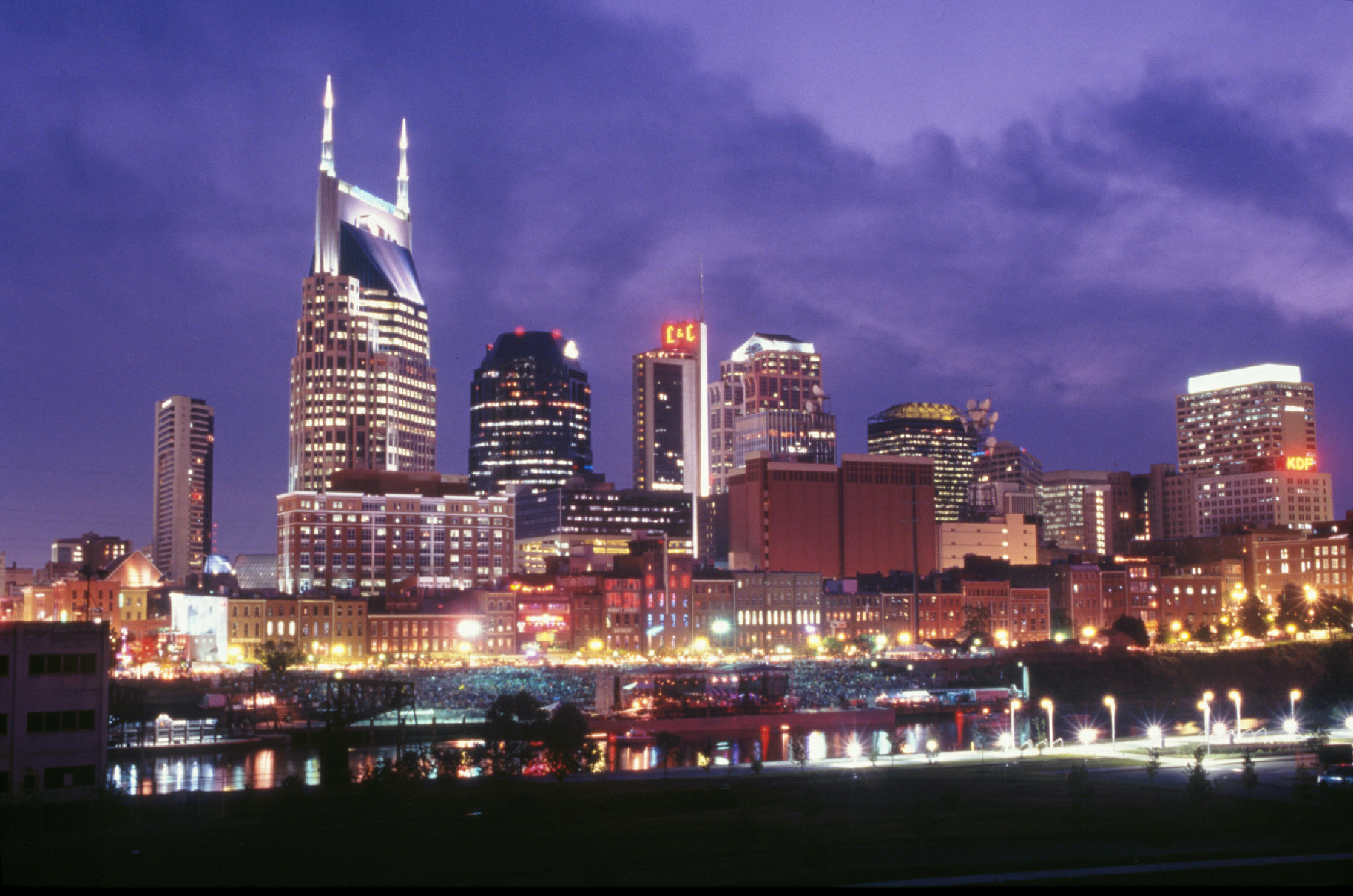 <a href='http://www.ticketsreview.com/city/nashville_tn-tickets/'>Nashville tickets</a>